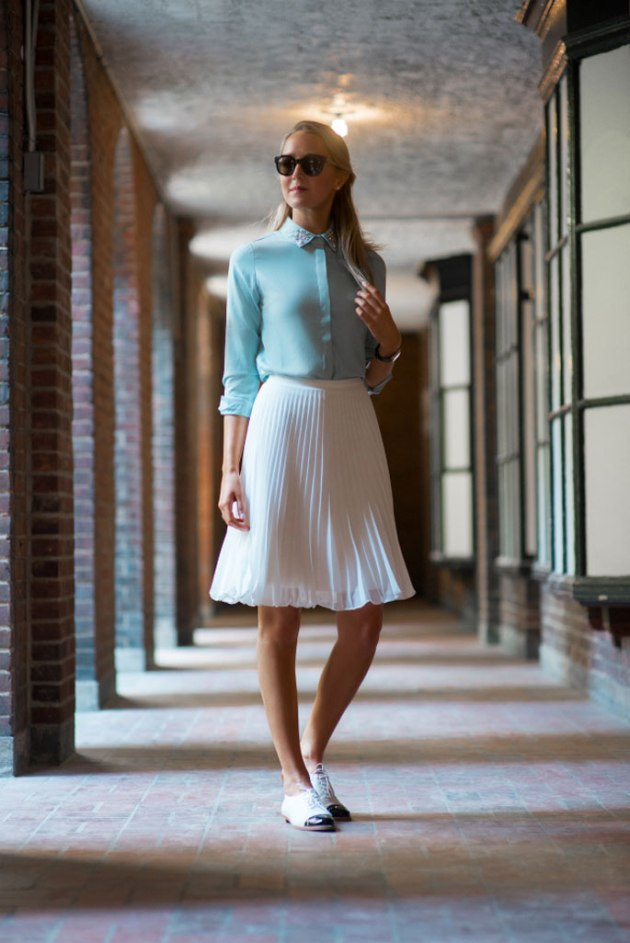 Classy_Cubicle_White_Skirt