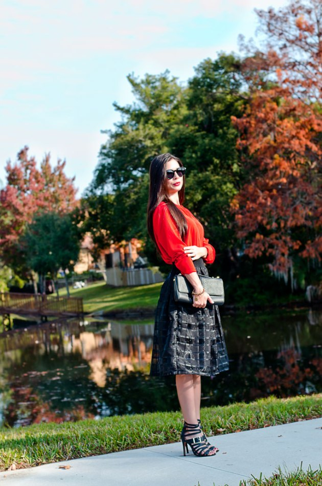 elegant-black-midi-skirt-and-red-blouse