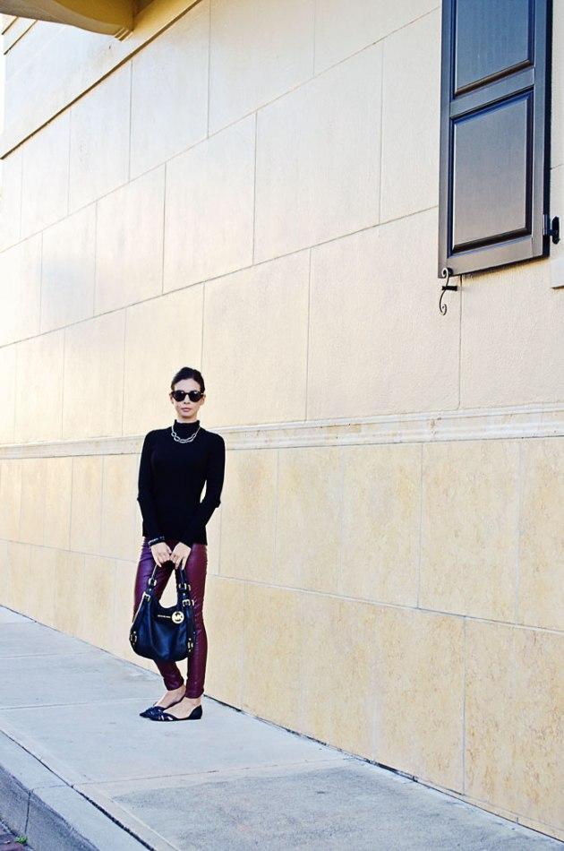 elegant-way-to-wear-faux-leather-leggins