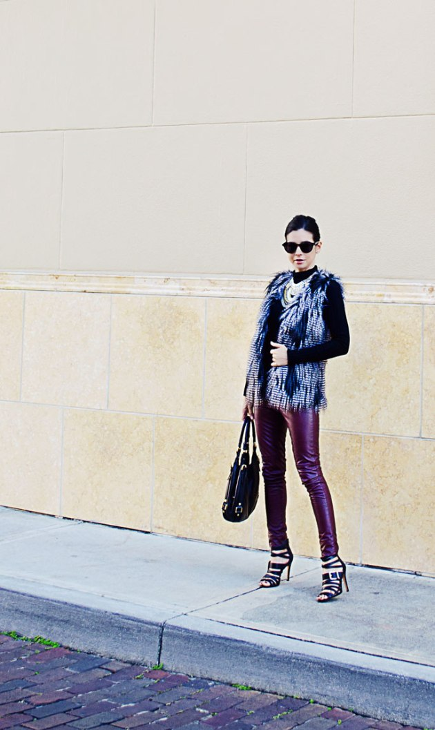 faux-leather-leggins-and-statement-necklace