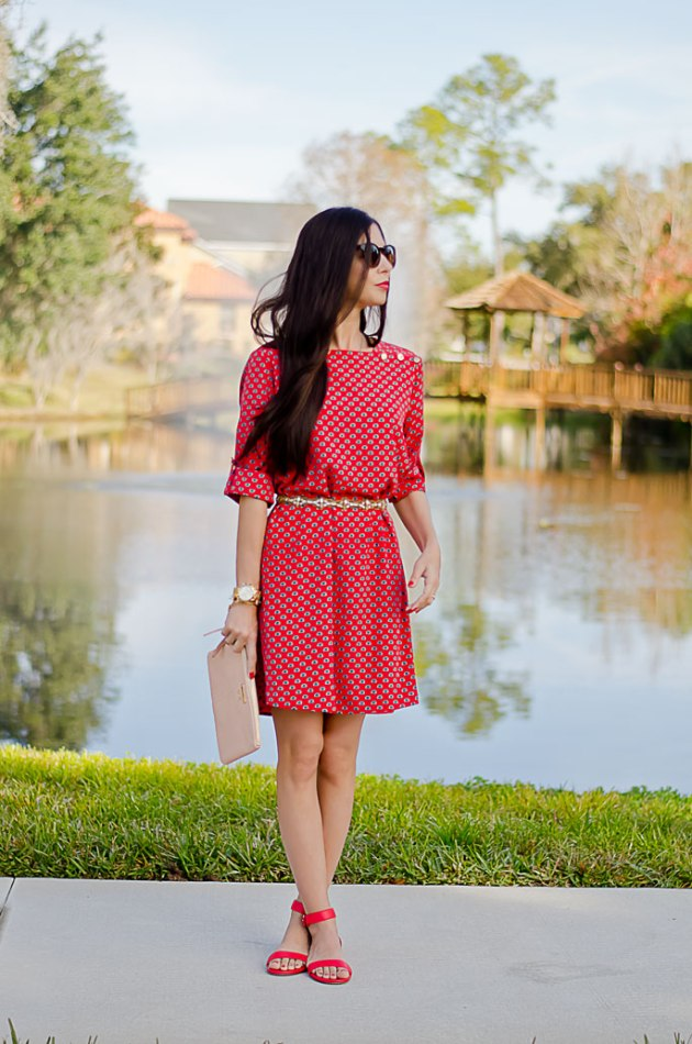casual-date-night-outfit-red-shift-dress-mint-julep-boutique-giveaway-2