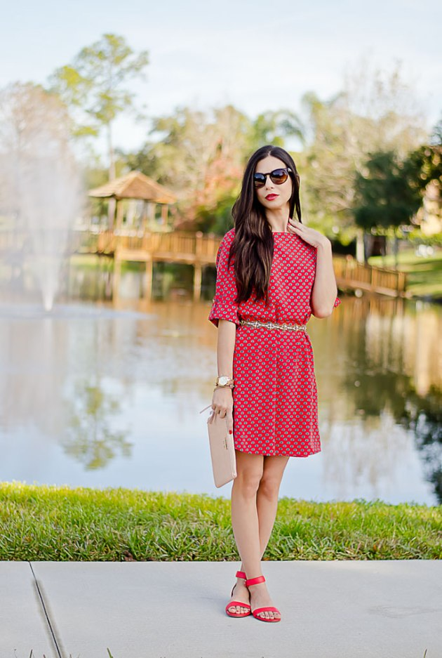 casual-date-night-outfit-red-shift-dress-mint-julep-boutique-giveaway-3