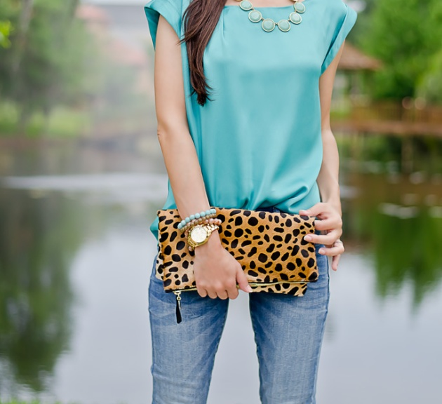outfit-of-the-day-leopard-foldover-clutch-clare-v-and-turquoise-blouse-3