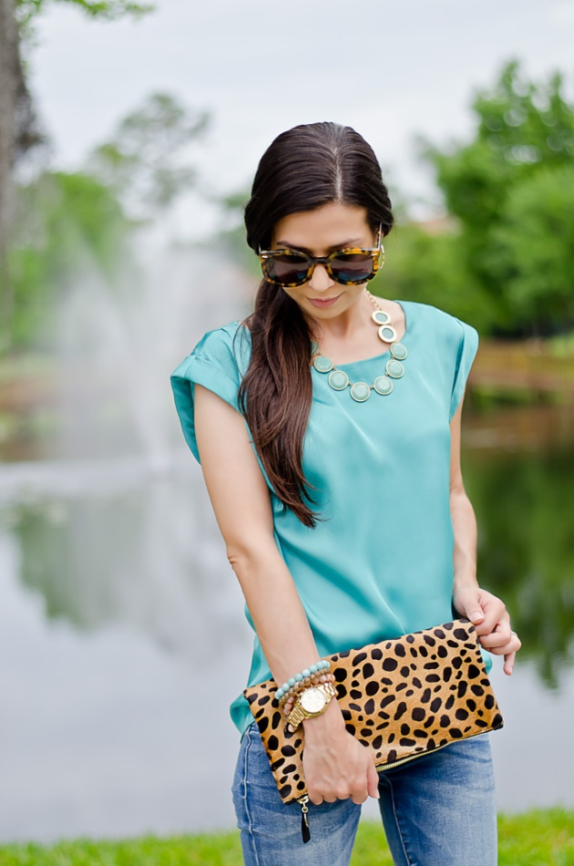 outfit-of-the-day-leopard-foldover-clutch-clare-v-and-turquoise-blouse-4