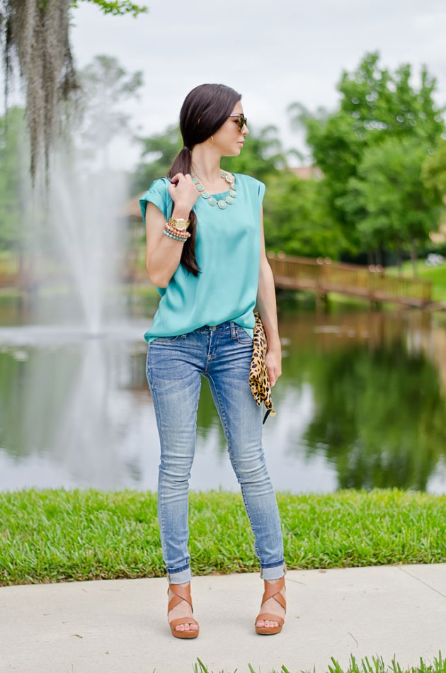 outfit-of-the-day-leopard-foldover-clutch-clare-v-and-turquoise-blouse-5