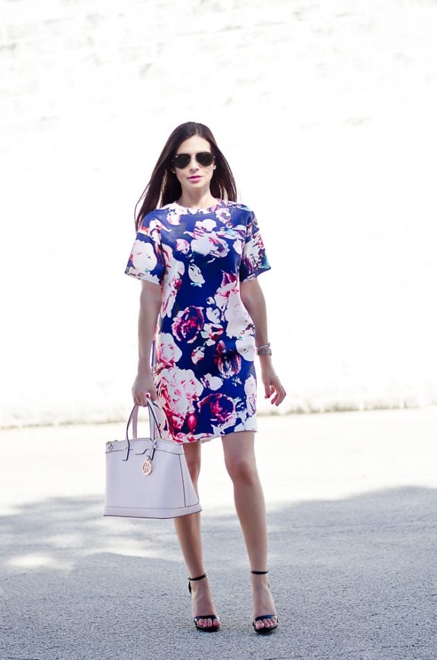 blue-and-pale-pink-floral-print-dress-outfit-of-the-day-2
