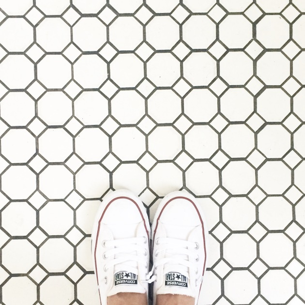 converse-shoes-fashion-blogger-instagram-outfit-of-the-day-floor-patterns