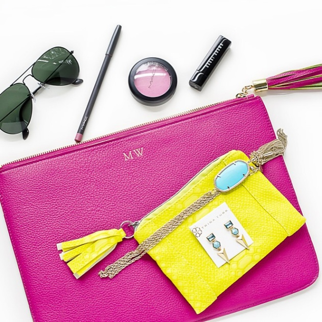 graphic-image-pink-zip-clutch-fashion-blogger-intagram-lookbook