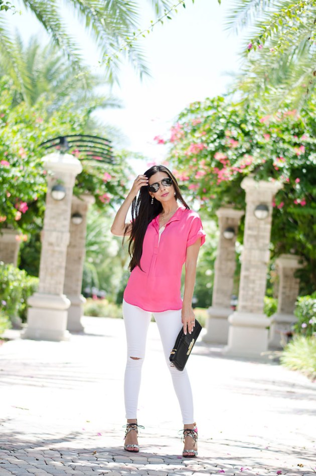 summer-outfit-idea-bright-pink-and-white-ripped-jeans-with-heels-1