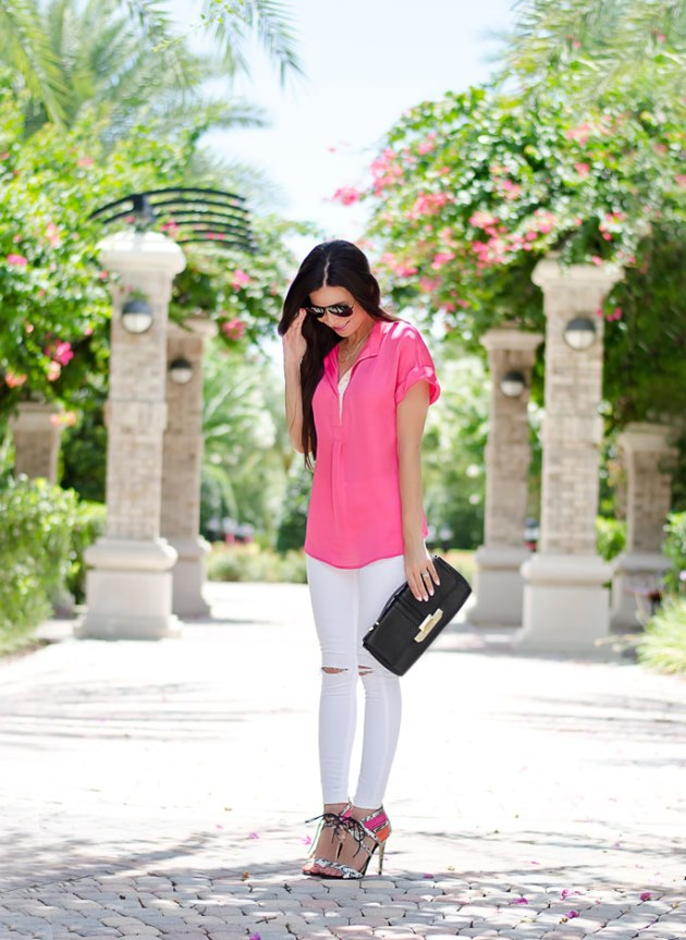 summer-outfit-idea-bright-pink-and-white-ripped-jeans-with-heels-3