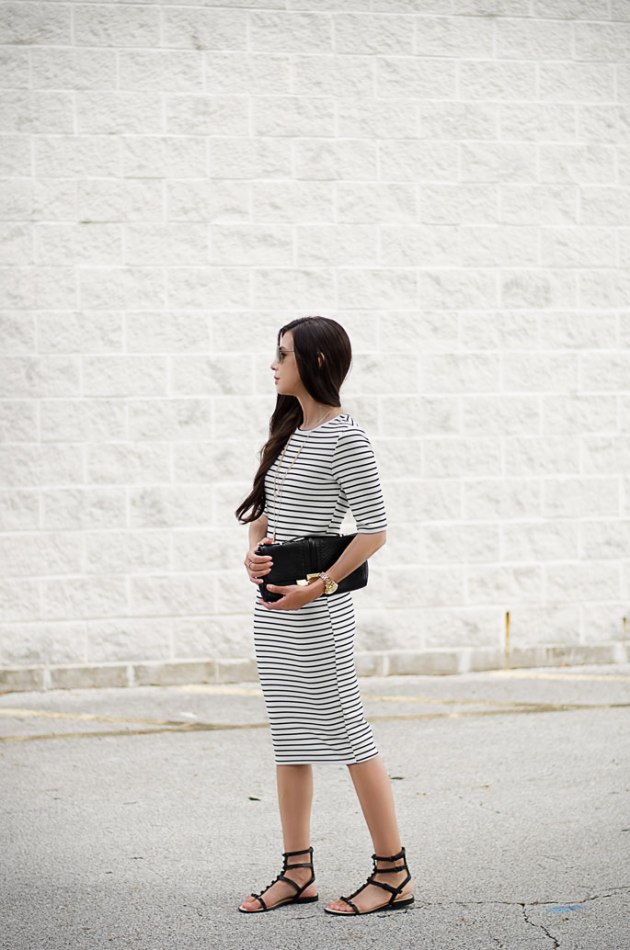 Dress-to-transition-from-summer-to-fall-One-Dress-Two-Looks-1