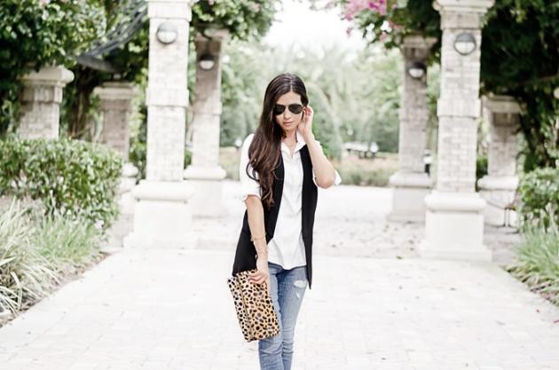 outfit-ideas-skinny-jeans-black-vest-leopard-clutch-halogen-nordstrom-clare-v-1