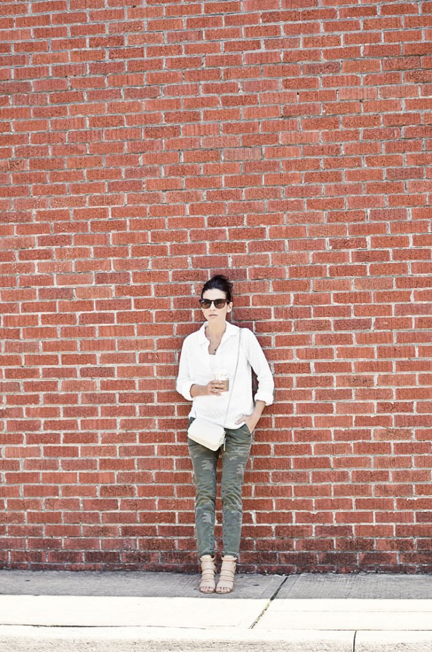 outfit-of-the-day-camo-pants-and-a-white-shirt-with-wedges-street-style-1