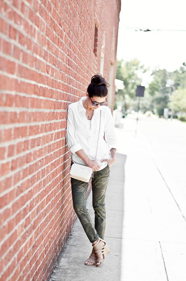 outfit-of-the-day-camo-pants-and-a-white-shirt-with-wedges-street-style-3